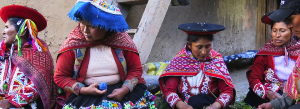 chinchero_weavers-960x350_c
